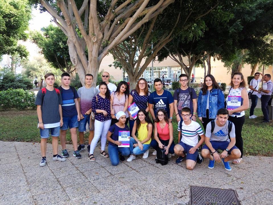 Nuestros estudiantes participan en el concurso INDALMAT