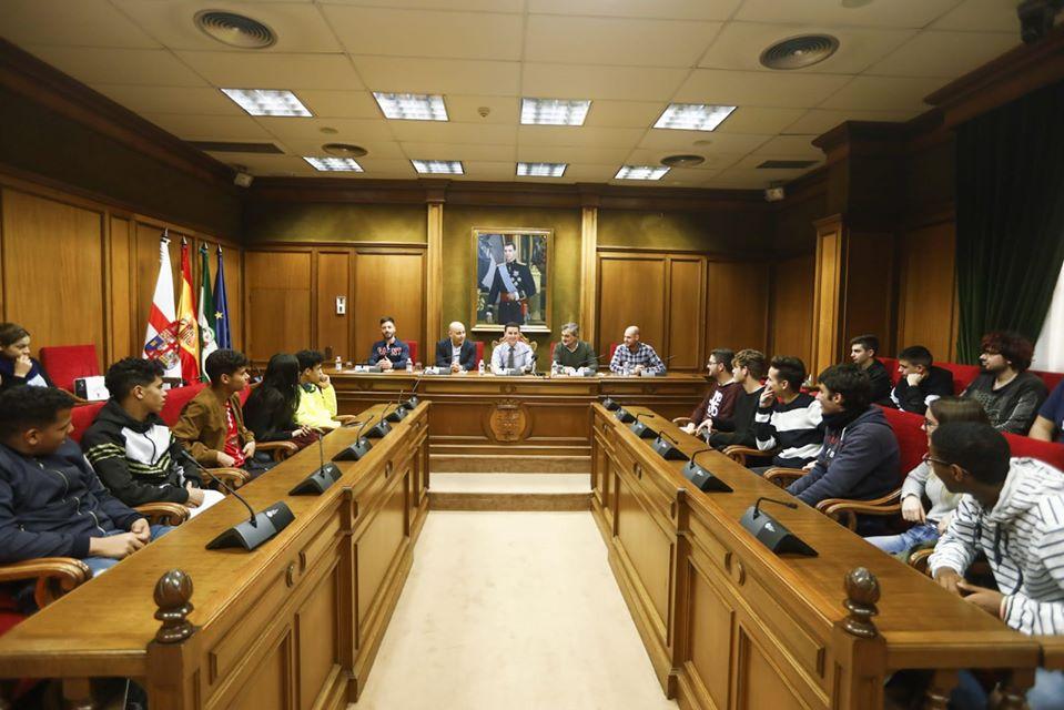 El alumnado de Formación Profesional visita la Diputación de Almería