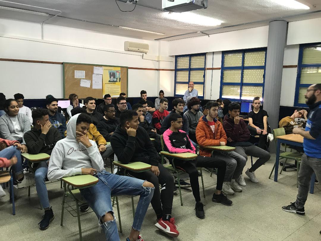 Los organizadores de Xpobit visitan al alumnado de FP